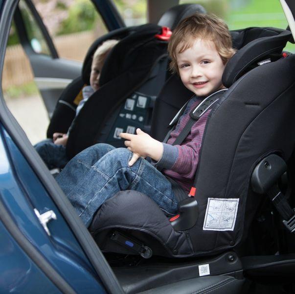 Axkid sillas de seguridad a contramarcha sillas de auto for Silla de seguridad coche