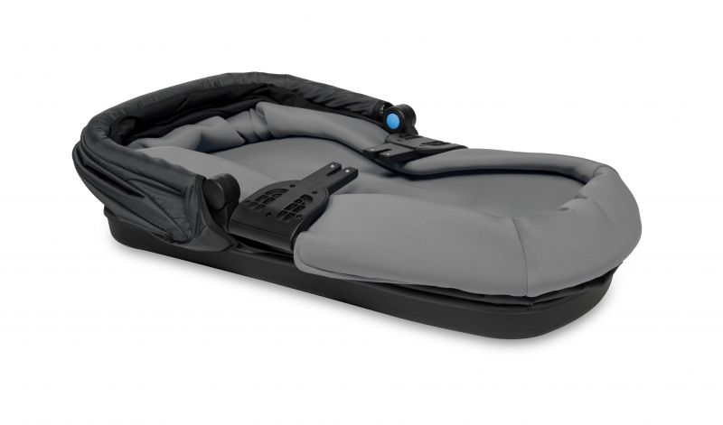 Thule_Bassinet_feature_02_20110794_20110795_20110724.jpg