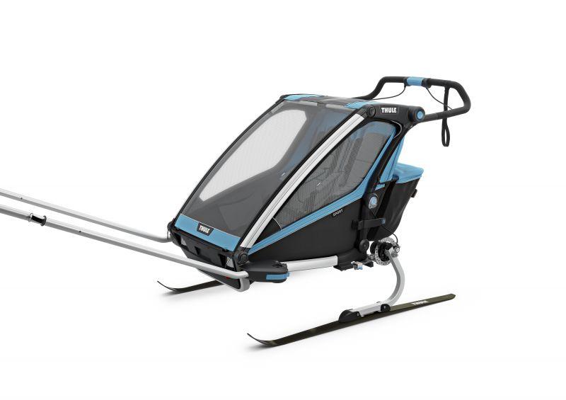Thule_Chariot_Sport2_ThuleBlue_Skiing_ISO_10201003.jpg