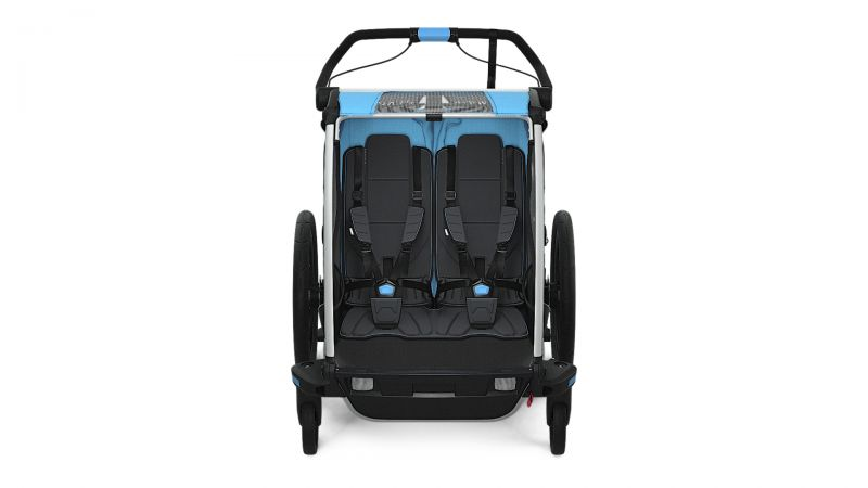 Thule_Chariot_Sport2_ThuleBlue_Strolling_FRONT_10201003.jpg