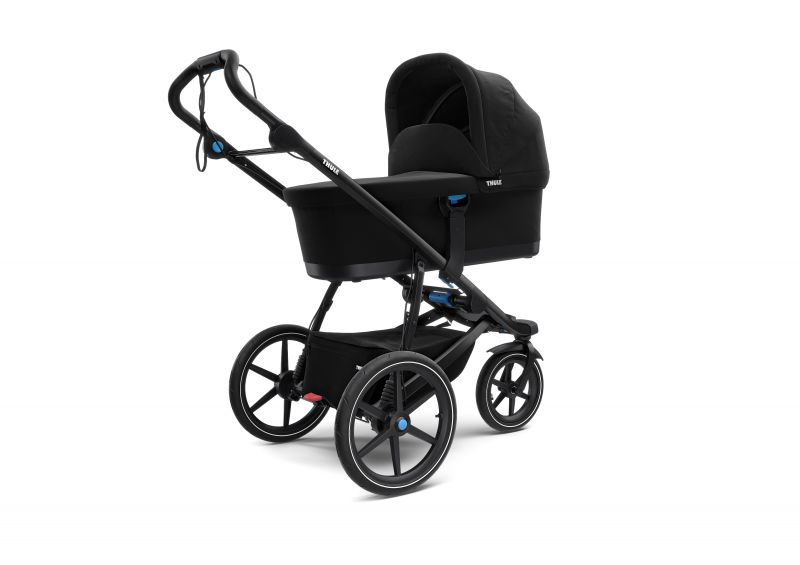 Thule_Urban_Glide_2_Black_on_Black_IU01_Bassinet_Installed_10101923.jpg
